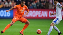 L'incroyable but contre son camp de Van Persie qui enfonce les