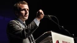 Macron ciblé par un jet de yaourt en pleine conférence à