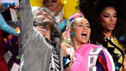 Miley Cyrus va chanter nue sur scène devant un public