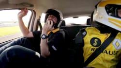 ASSISTA: Um piloto de F-1 faz slalom com um humorista dentro do
