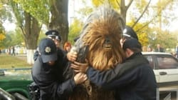 Chewbacca arrêté en Ukraine pour avoir fait campagne