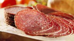 La charcuterie cancérogène, la viande rouge «probablement»