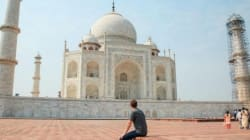 Here's How India Reacted When Mark Zuckerberg Posed In Front Of The Taj