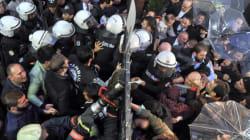 Erdogan chiude ancora quotidiani e tv, scontri tra giornalisti e