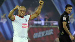 Roberto Carlos Isn't Impressed With The Football Turf At Kolkata's Salt Lake