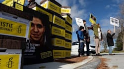 Imprisoned Saudi Blogger's Supporters Met By Closed
