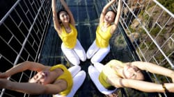 Ce cours de yoga a eu lieu au-dessus du