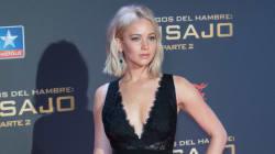 Jennifer Lawrence chute à cause de sa robe trop longue