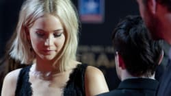 Jennifer Lawrence chute (encore) sur le tapis