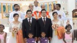 Des prêtres jumeaux célèbrent le mariage de jumeaux avec des