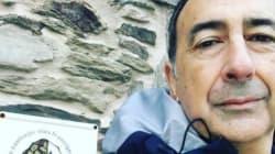 Il selfie di Sala dal cammino di Santiago:
