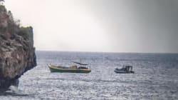 Asylum Seeker Boat Towed Away After Arriving In Christmas Island
