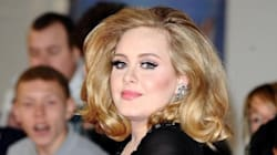 Adele respinge perfettamente le domande sul suo