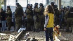 難民のなかには、たった一人で海を渡った子供が何千人もいる