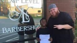 Un barbiere promette a un bambino tagli gratis a vita, in cambio di buoni voti in