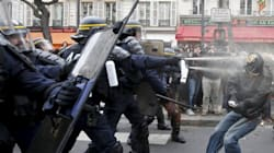 Omaggi alle vittime di Parigi contro la polizia, scontri durante la marcia per il