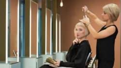 Basta chiacchiere dal parrucchiere. C'è la sedia del
