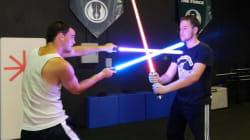 Des cours de sabre laser pour capter l'attention des enfants en