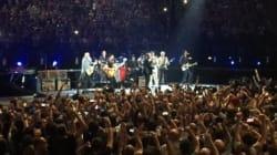 L'émouvant retour sur scène d'Eagles of Death Metal à