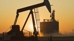 Petrolio record: Brent sotto i 40 dollari per la prima volta dal 2009. Giù le