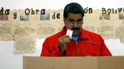 Maduro pide a sus ministros que dimitan tras su contundente