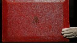 Enchères: la valise en cuir rouge de Margaret Thatcher s'arrache pour 502 000