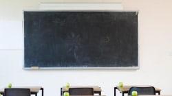 Insegnanti senza stipendio e tredicesima da un euro: l'ultima beffa nella