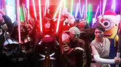 'Star Wars: The Force Awakens' Breaks Opening Day