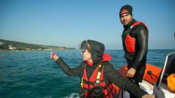Au large de Lesbos, Susan Sarandon participe à une opération de sauvetage de