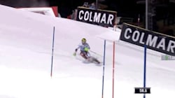 衝撃。競技中、スキー選手の背後ギリギリにドローンが落下(映像あり)