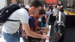 Due sconosciuti e un pianoforte alla stazione. Ed è subito