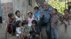 This Chai Wallah Who Teaches Slum Kids Is Everyone's