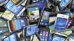 Millions Of Aussies Are Keeping Their Old Phones In The Drawer, But You Don't Have To Be One Of