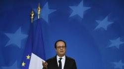 Hollande entame une tournée de vœux et d'hommages hors du