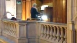 L'organo in chiesa che suona David Bowie è l'omaggio più