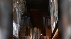 Même les églises rendent hommage à