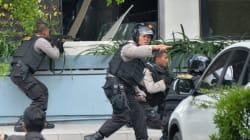 Atleast Six Dead In Multiple Explosions In Jakarta , Gunfight