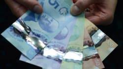 Canada's Plastic Money Stumps