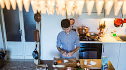 8 soluzioni per cucinare per molti ospiti (anche se hai una cucina