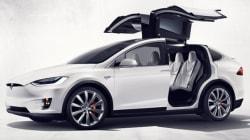 Tesla intente une poursuite contre un ancien