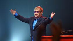 Moins de concerts pour Elton John qui veut s'occuper de sa famille
