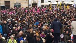 Un centinaio di piazze manifestano per le unioni civili: