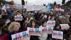 Italie: grande manifestation contre l'union des conjoints de même sexe