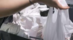 Les sacs plastique tolérés encore six mois à la