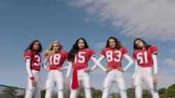 Les Anges de Victoria's Secret jouent au football pour le Super Bowl 50