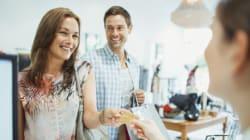 Les hommes dépensent plus que les femmes pour les