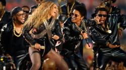 Beyoncé vole la vedette lors du spectacle de la mi-temps