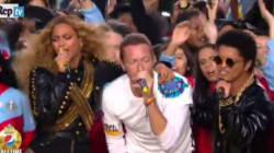 Lady Gaga emoziona cantando l'inno americano, Beyoncè scivola sui