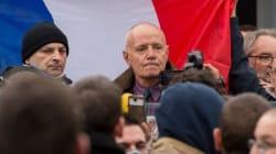 Qui est Christian Piquemal, ex-patron de la Légion étrangère en garde à