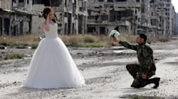 Des photos de mariage à Homs, la ville martyre de